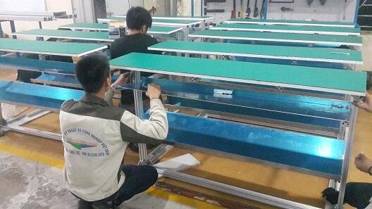 Bàn thao tác lắp ráp theo yêu cầu của công ty Nhật Bản