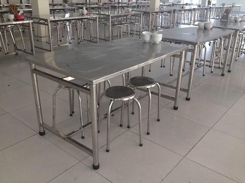 Tiện ích của ghế ăn công nghiệp hay hay đôn Inox trong phòng ăn tập thể